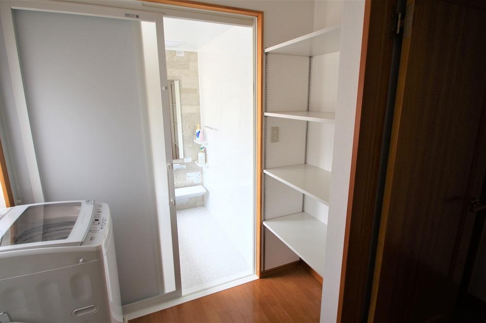 洗面脱衣室収納棚
