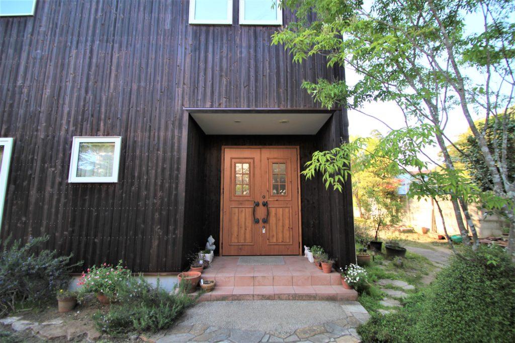 木製サイディングの家